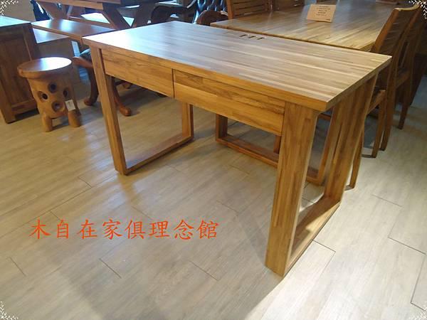 柚木兩抽集線孔書桌1.JPG
