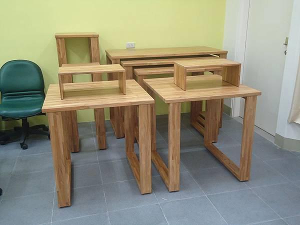 柚木展示桌3.JPG