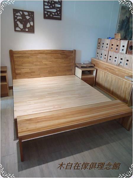 歐式6尺柚木床1.JPG