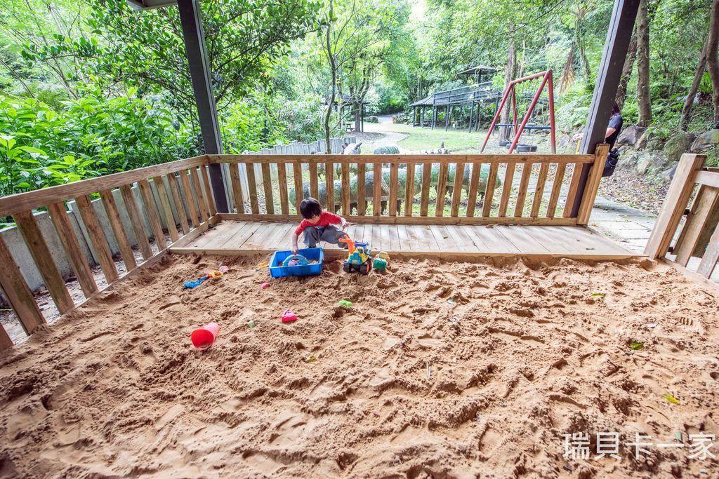 兒童沙坑遊戲區 (2).jpg