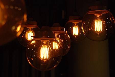 燈光2.jpg