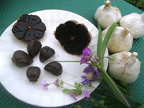黑蒜 black garlic