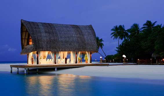 anmvve_beach_pavilion_exterior_566x332