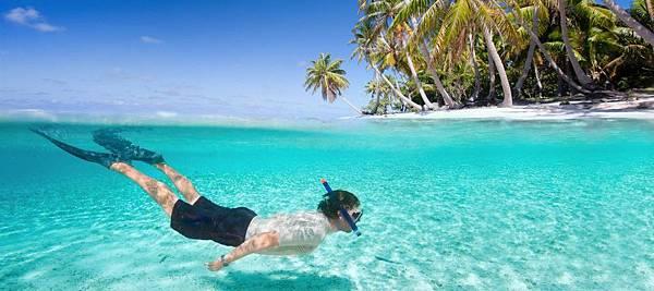 jumeirah-vittaveli-snorkelling