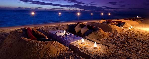 jumeirah-dhevanafushi-unique-beach-dining-experince-at-mumayaz-hero