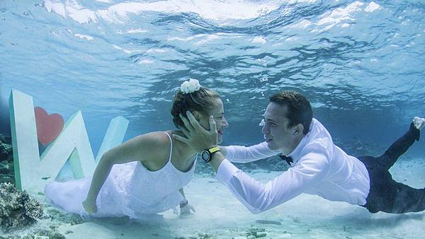 underwater-wedding-w-931x523.jpg