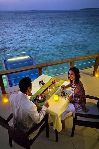 27798534-H1-ANMVVE_FH_0109_Guestroom_InOcean dining_1952angle.JPG
