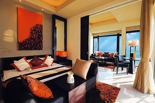 27798542-H1-ANMVVE_FH_0109_Guestroom_InOceanVilla Interior_MG_1850rgbF (1).jpg
