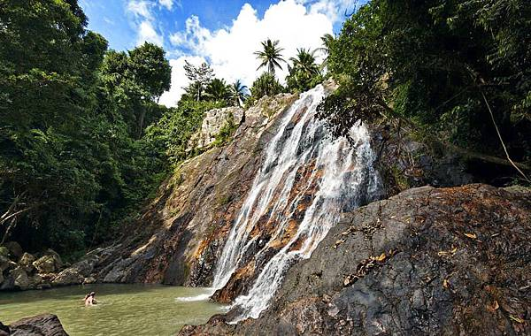 namuang-waterfall01.jpg