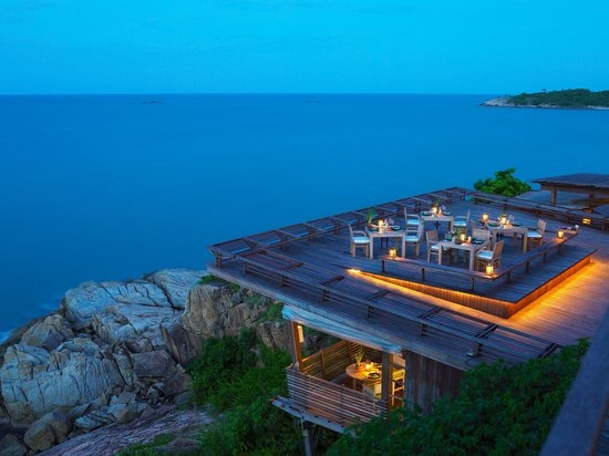 dining-on-the-rocks-outdoor.jpg