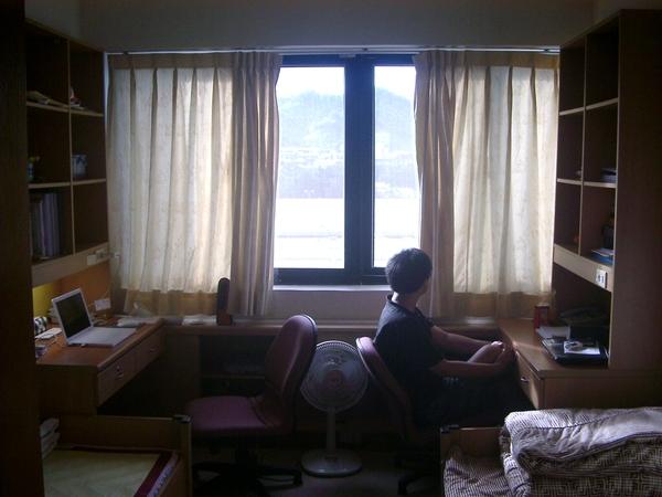 房間二景.JPG