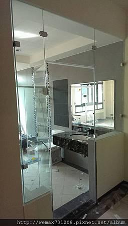 8mm清強玻L型淋浴隔間+無框一字型淋浴門2