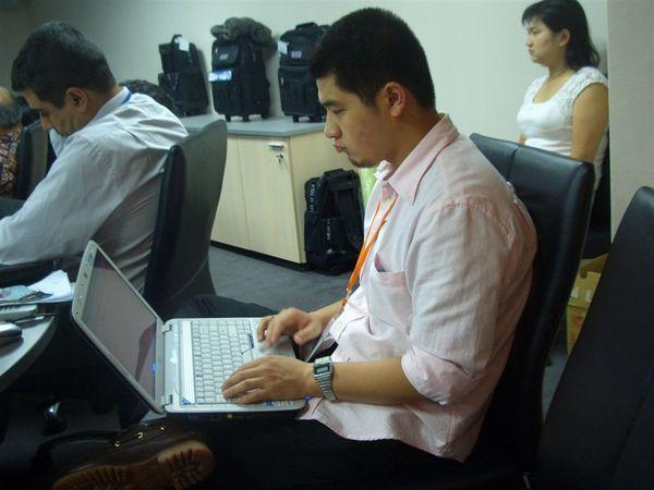 staff tom.JPG