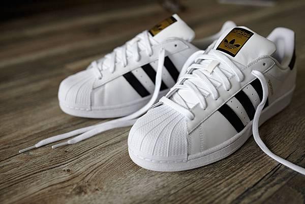 adidas-superstar-j-w-schuhe-weiss-schwarz-1115-zoom-2