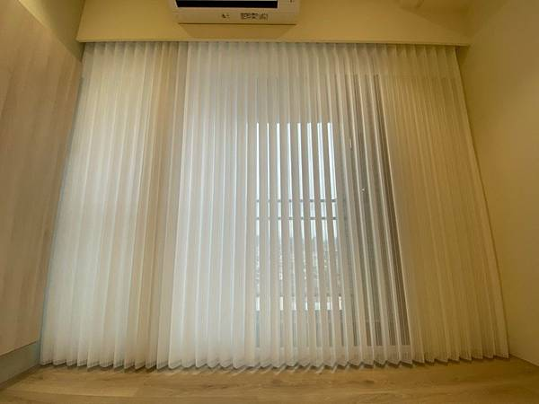 客廳落地窗簾 遮光窗簾 客廳窗簾款式 客廳窗簾推薦 直立柔紗簾