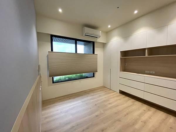 臥室遮光窗簾 風琴簾 HunterDouglas 恆溫窗簾