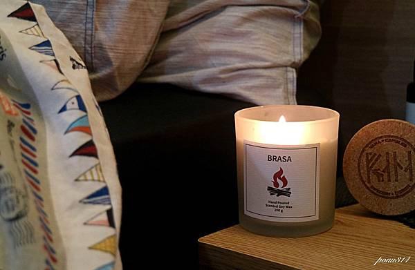 vana candle-5.jpg