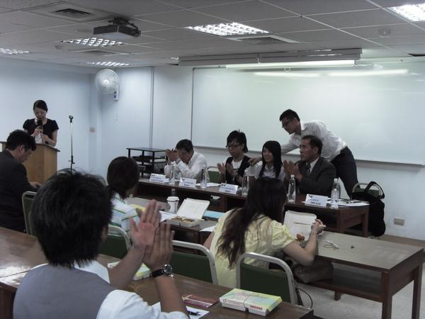 扶青團6月份團秘會20090608_12.JPG