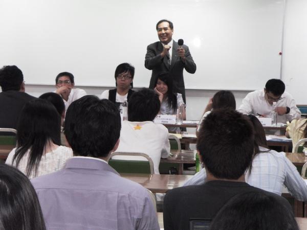 扶青團6月份團秘會20090608_22.JPG