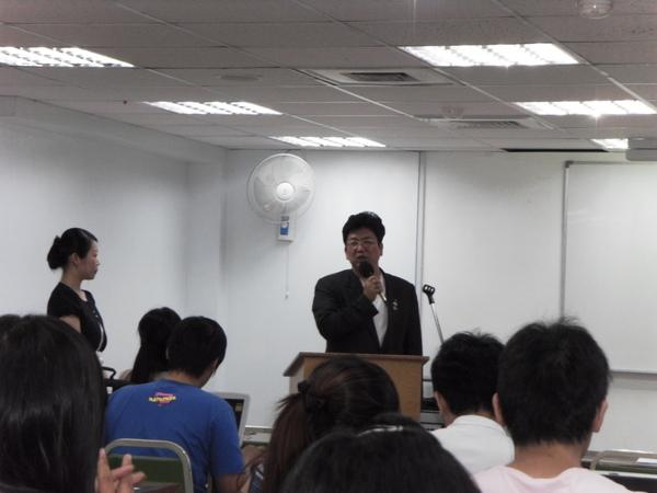 扶青團6月份團秘會20090608_28.JPG