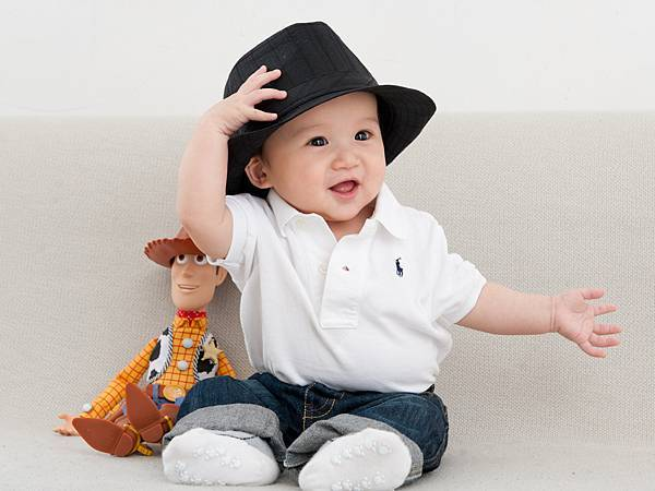 Ethan Chen 6-month-07.jpg