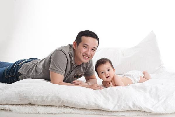 Ethan Chen 6-month-15.jpg