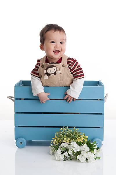 Ethan Chen 6-month-20.jpg