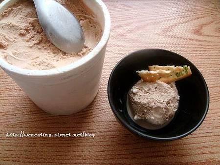 拿鐵冰淇淋02.jpg