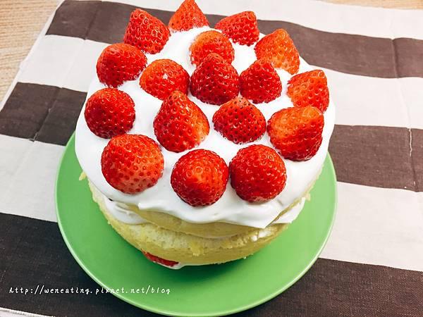 電子鍋草莓蛋糕01.JPG