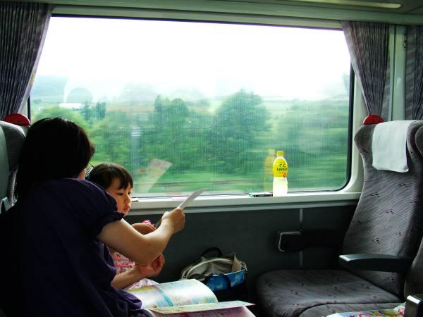 0801-JR車上母女&髒到無法拍照的車窗-DSCF5421.JPG