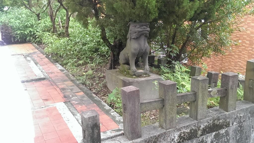 右玉垣狛犬.jpg