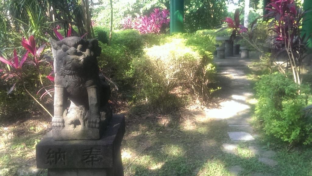 圓山水神社母狛犬.jpg