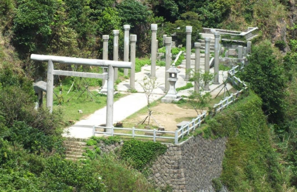 金瓜石神社7-拜殿本殿制札.jpg