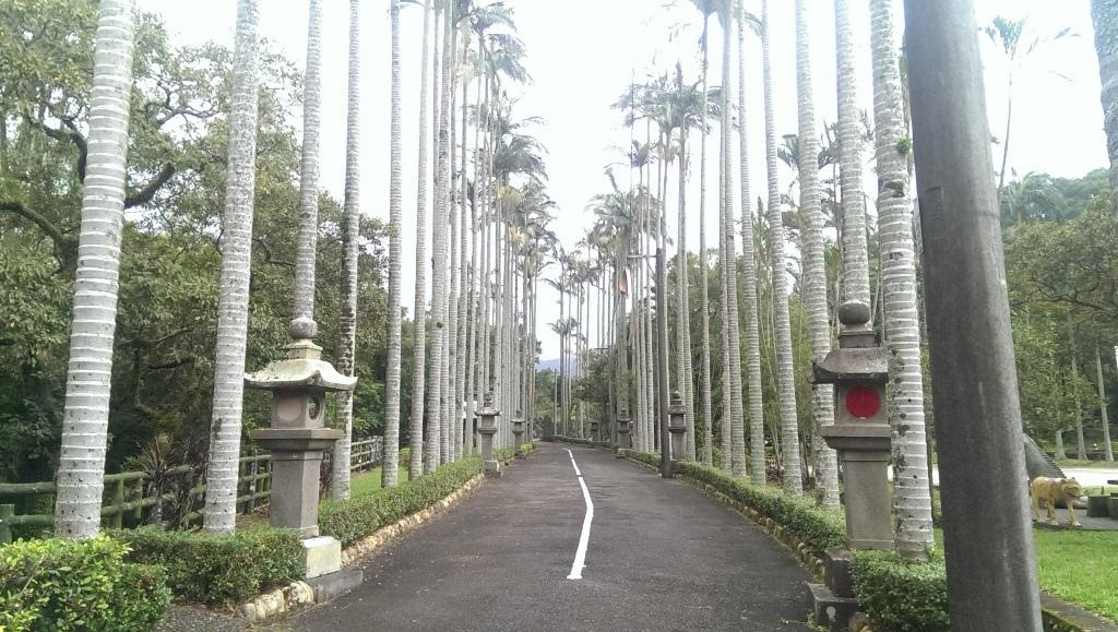 淡水神社石燈籠-1.jpg