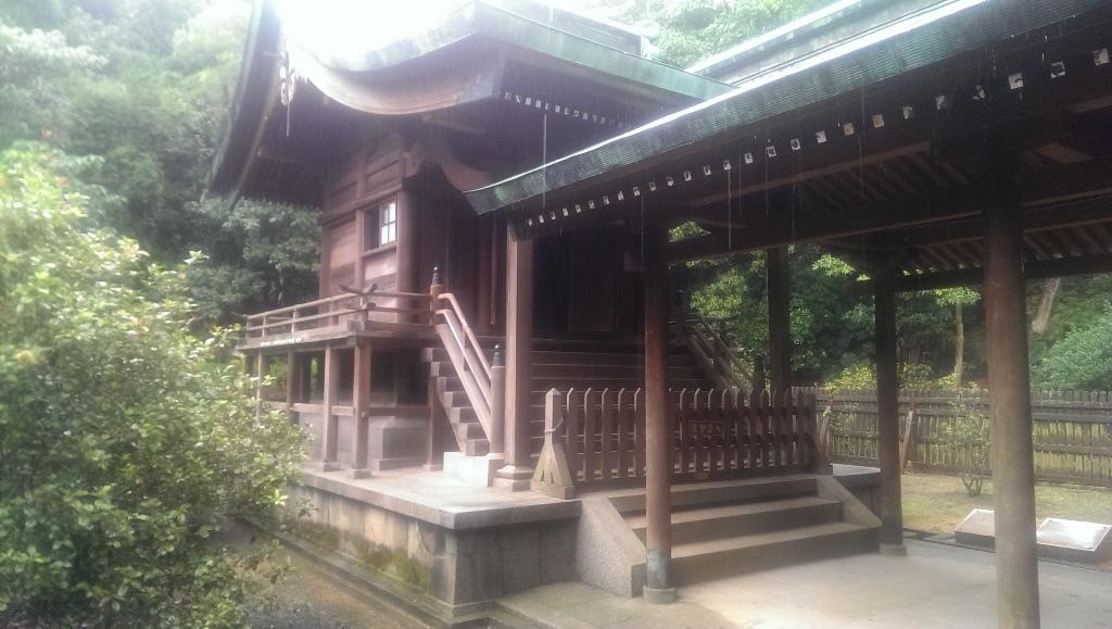 桃園神社-本殿.jpg