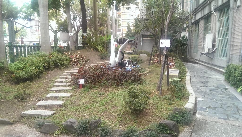 東門國小-校景1.jpg