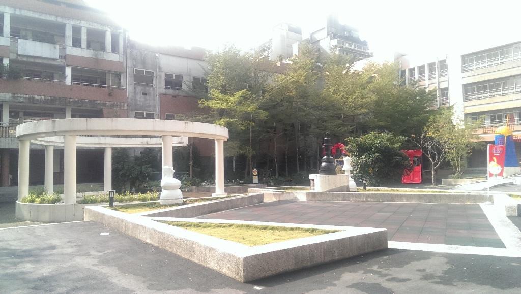 福星國小-校園2.jpg