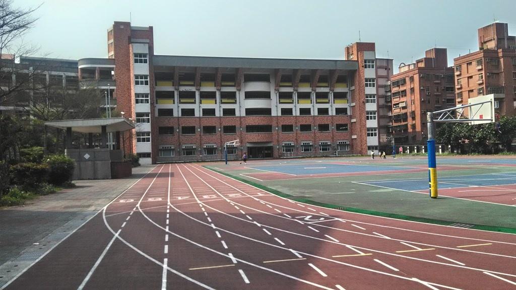 秀峰國小-校舍.jpg