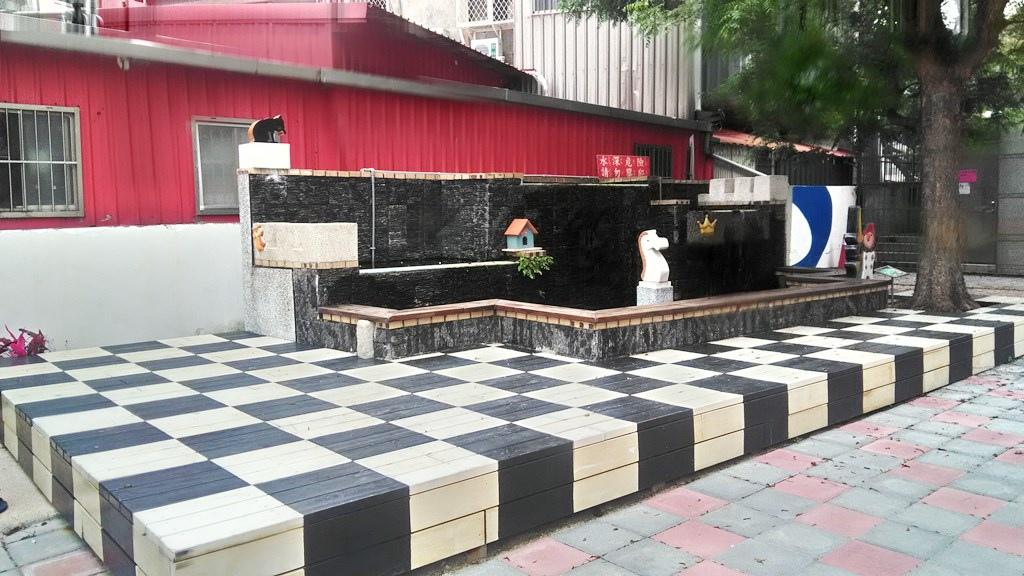 士東國小-水池裝飾.jpg