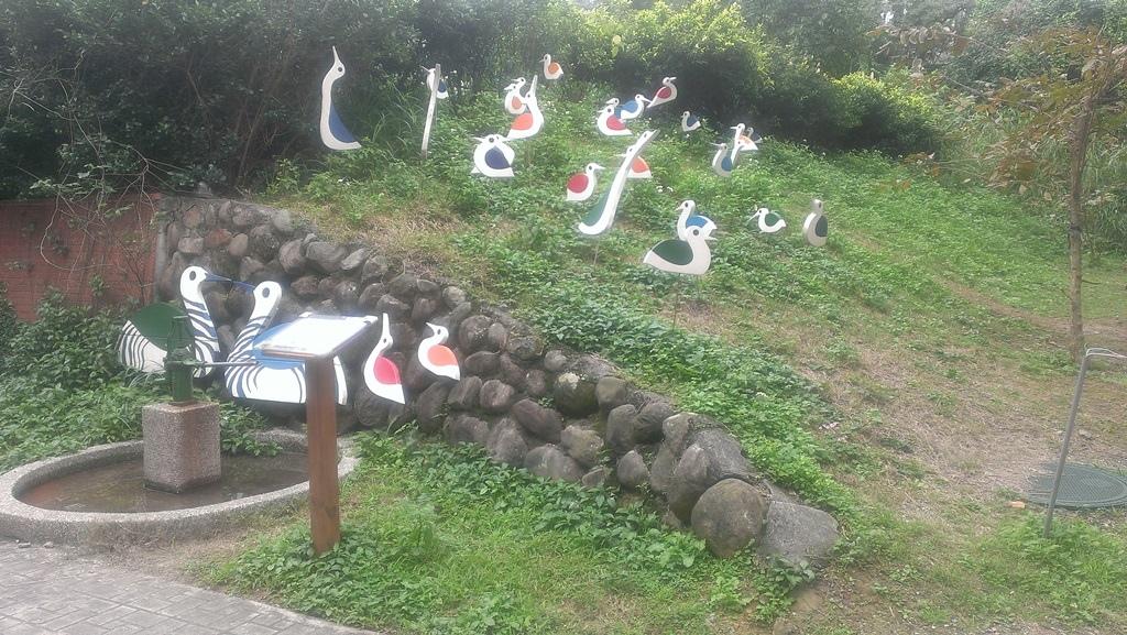金山國小-鳥群裝飾及汲水器.jpg