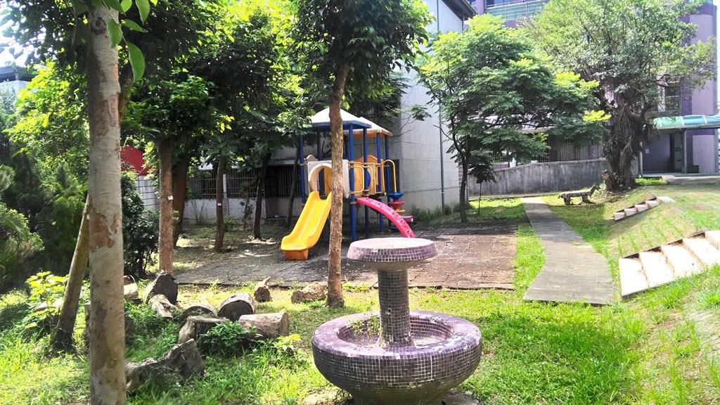 金美國小-校園一角.jpg