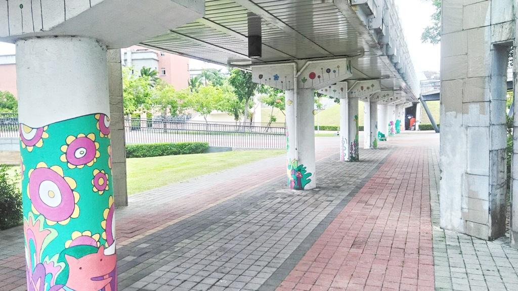 花博公園美術館區-圓柱圖案.jpg