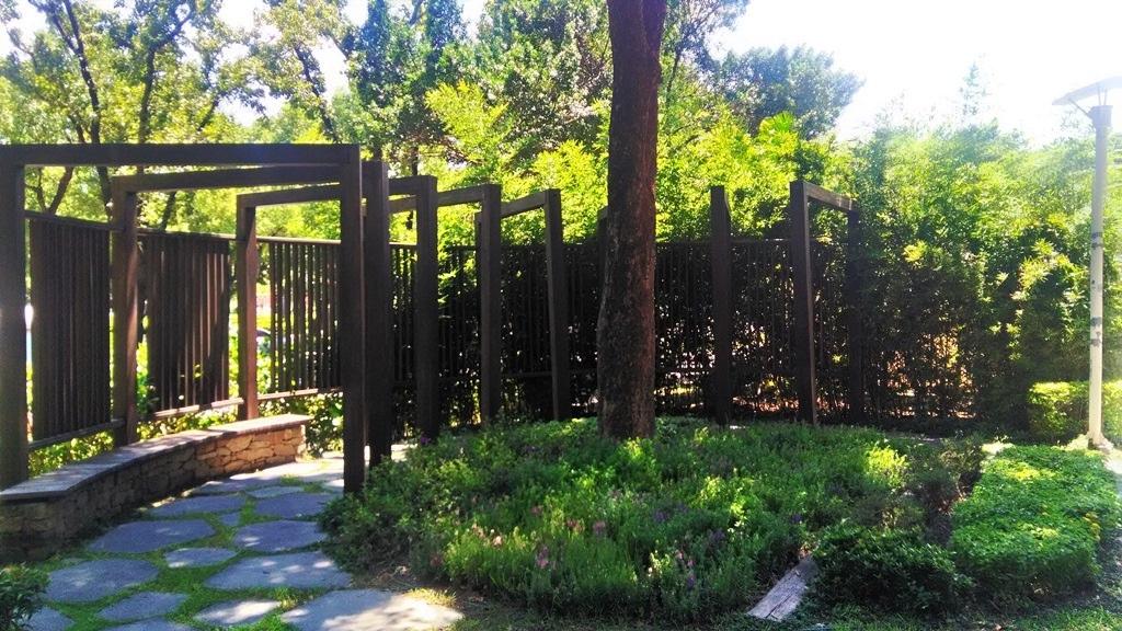 花博公園圓山區-花圃裝飾.jpg