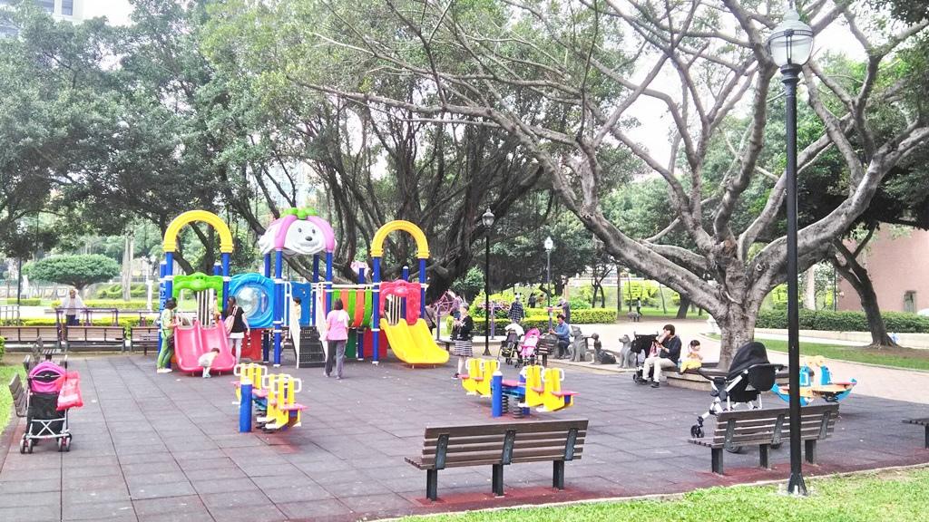 永和仁愛公園-兒童游戲設施區.jpg