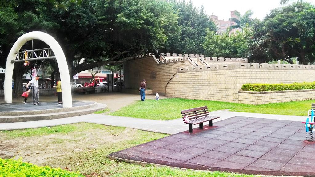 永和仁愛公園-城堡造型裝飾.jpg