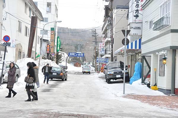 阿寒湖旁的商店街