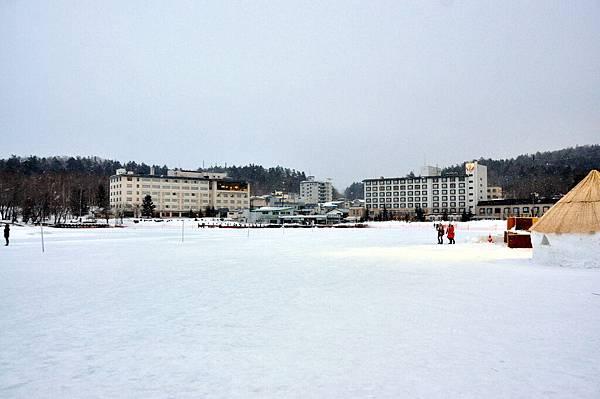 冰封阿寒湖跟四周的飯店