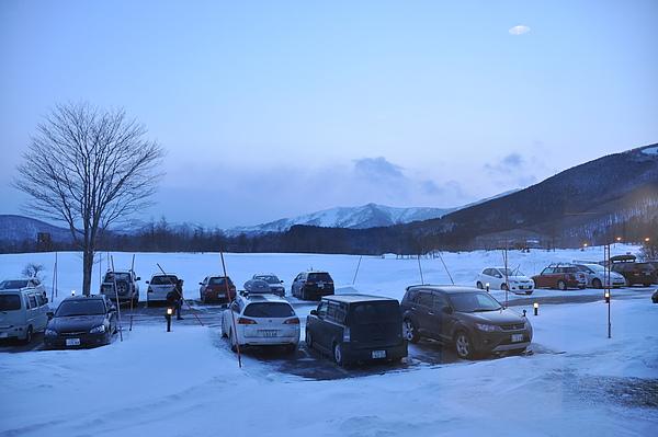覆雪的傍晚