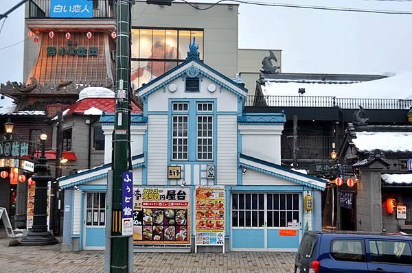 北海道白色戀人鐵盒同色系的屋子-20110301-4 (104)_調整大小.jpg