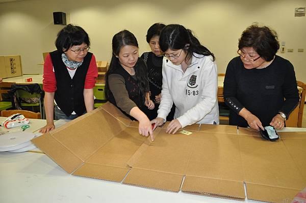 102%2F03%2F11 志工培訓課程-童話世界小屋